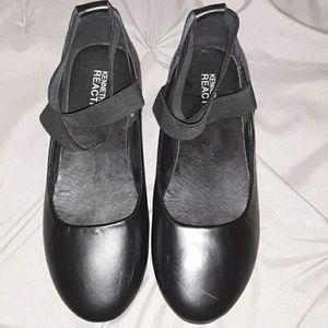 Kenneth cole black strappy ballerina flats
